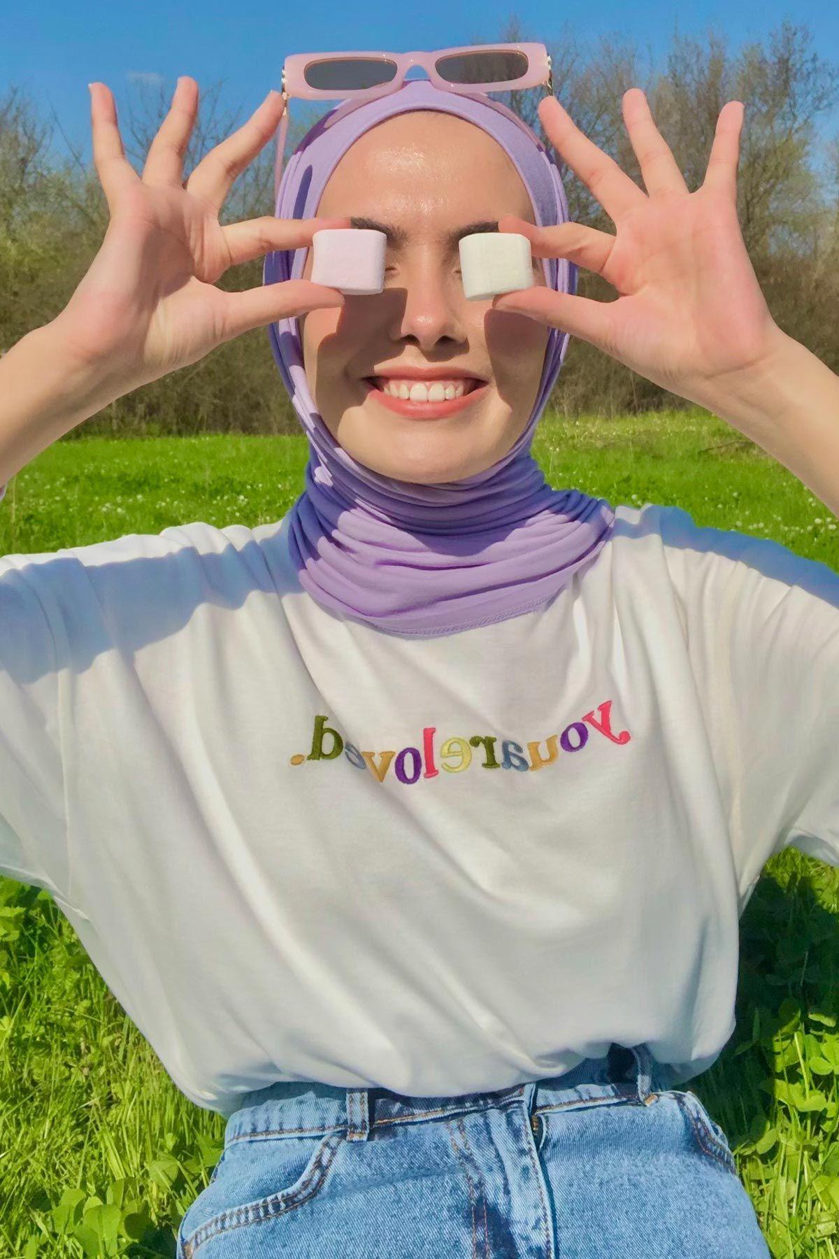 Emine'nin Love T-Shirt Kombini