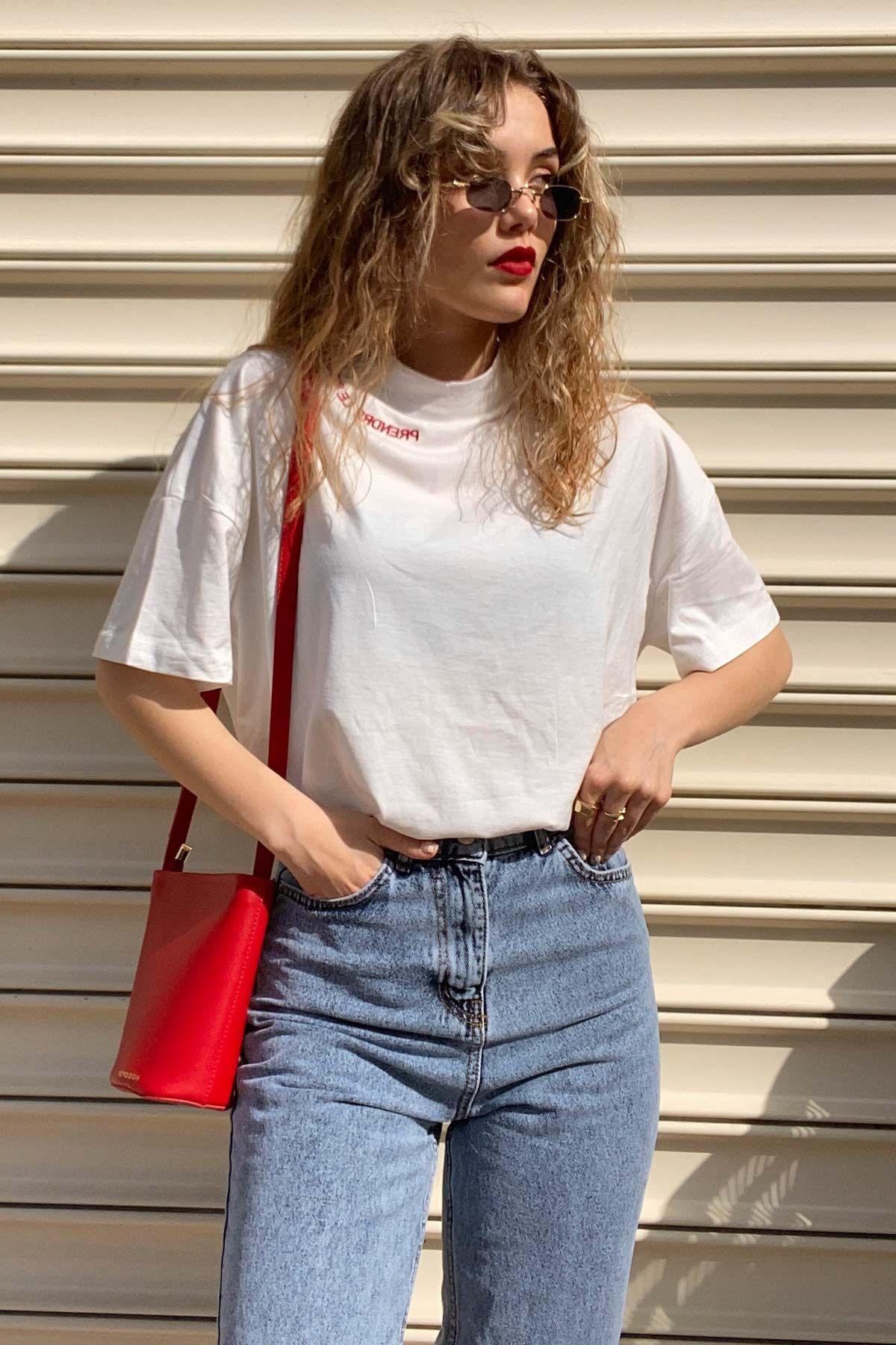 Elif'in Pouvoir T-shirt Kombini